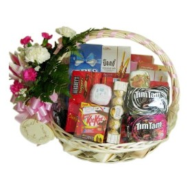 Basket of Crunchy Munchies